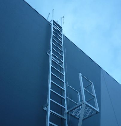 Fixed Ladder for Safe Access to Roof